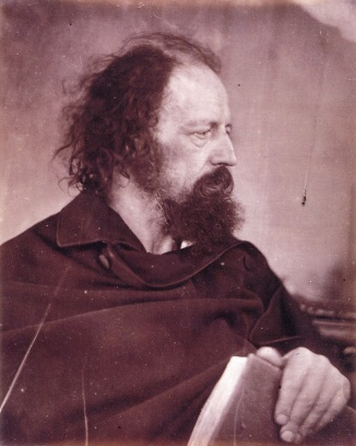 Julia_Margaret_Cameron_Alfred_tennyson_book