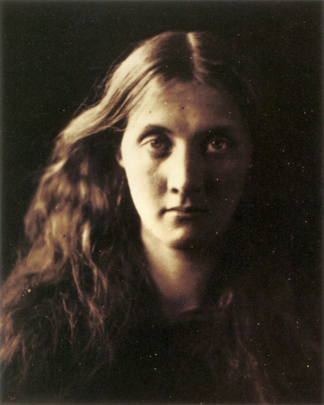 Julia_Margaret_Cameron_My_niece_Julia
